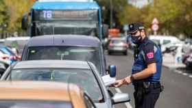 Policía Local de Madrid haciendo controles por la Covid.