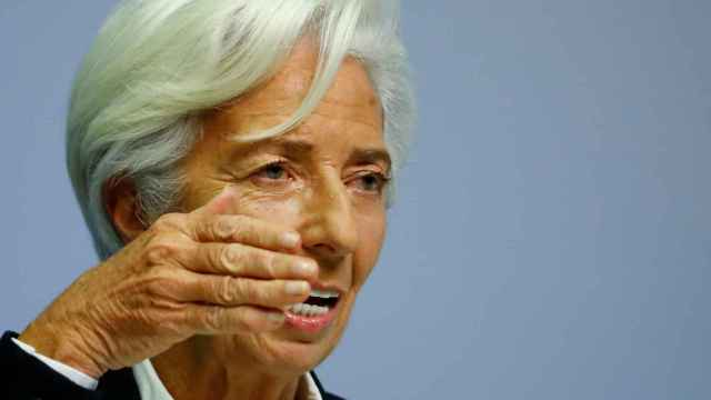 La presidenta del BCE, Christine Lagarde, con gesto de rotundidad.