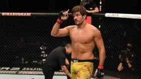 Juan Espino, durante su pelea con Jeff Hughes