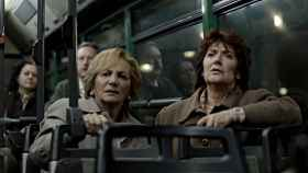 Elena Irureta (Bittori) y Ane Gabarain (Miren), en una escena de 'Patria' (HBO).