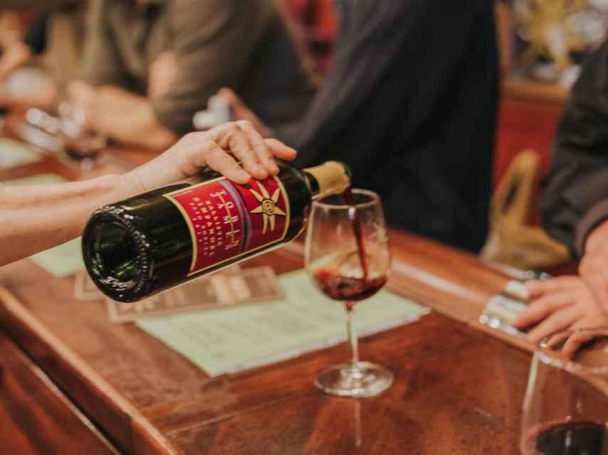 Pedir por copas nos permite probar nuevos vinos.