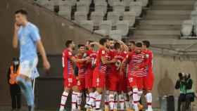 El Granada celebra un gol