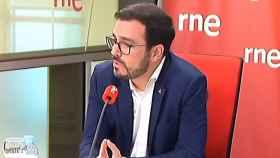 El ministro de Consumo, Alberto Garzón, en una entrevista en RNE.