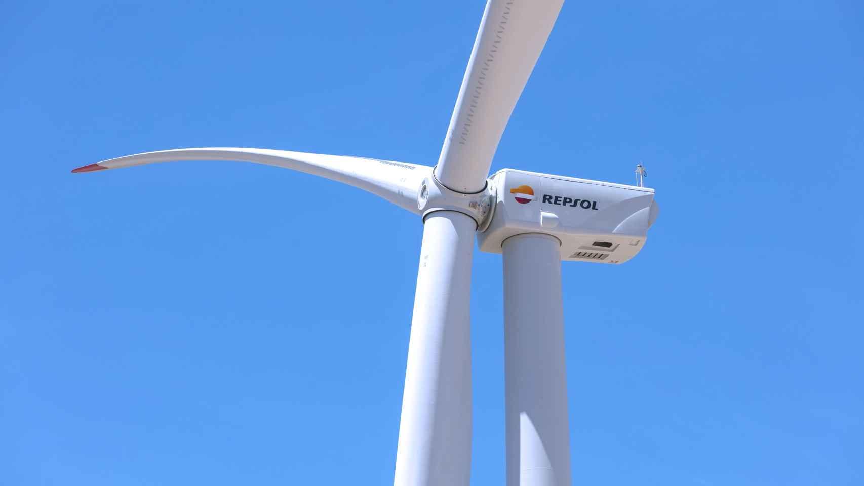 Repsol conecta a la red los primeros megavatios de su proyecto eólico 'Delta' (Aragón)