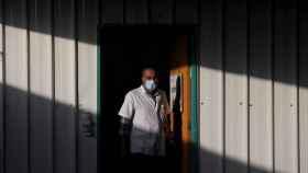 Un sanitario en el Shaare Zedek Hospital, en Jerusalén.