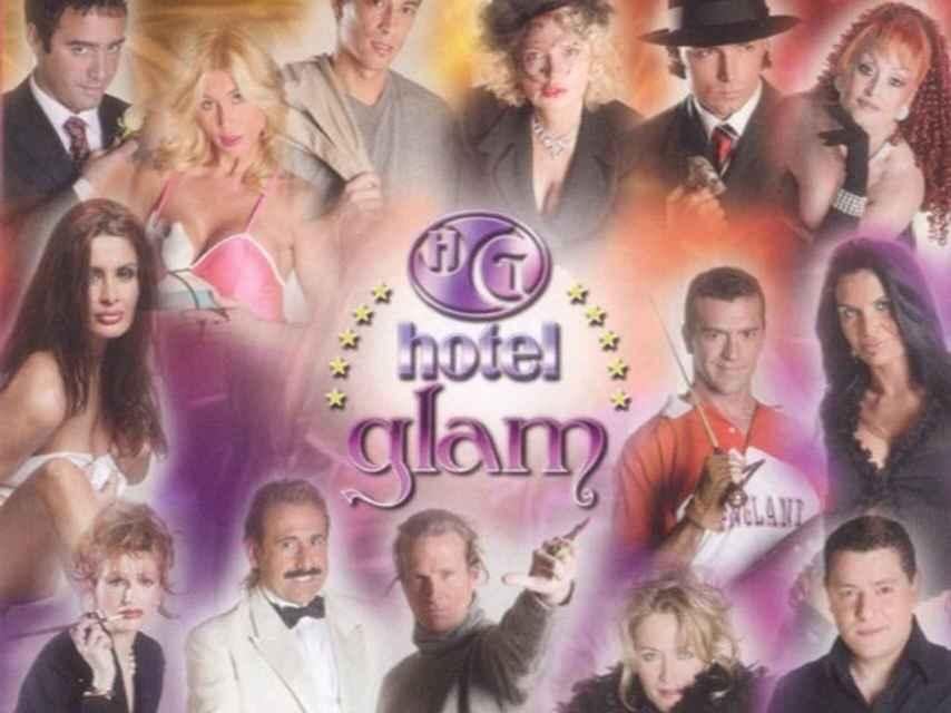 Portada de 'Hotel Glam' con sus peculiares participantes.