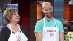 Gonzalo Miró junto a Celia Villalobos durante la competencia de 'MasterChef Celebrity'.