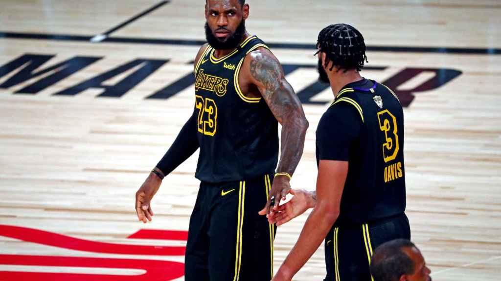 LeBron James y Anthony Davis, durante las Finales 2020