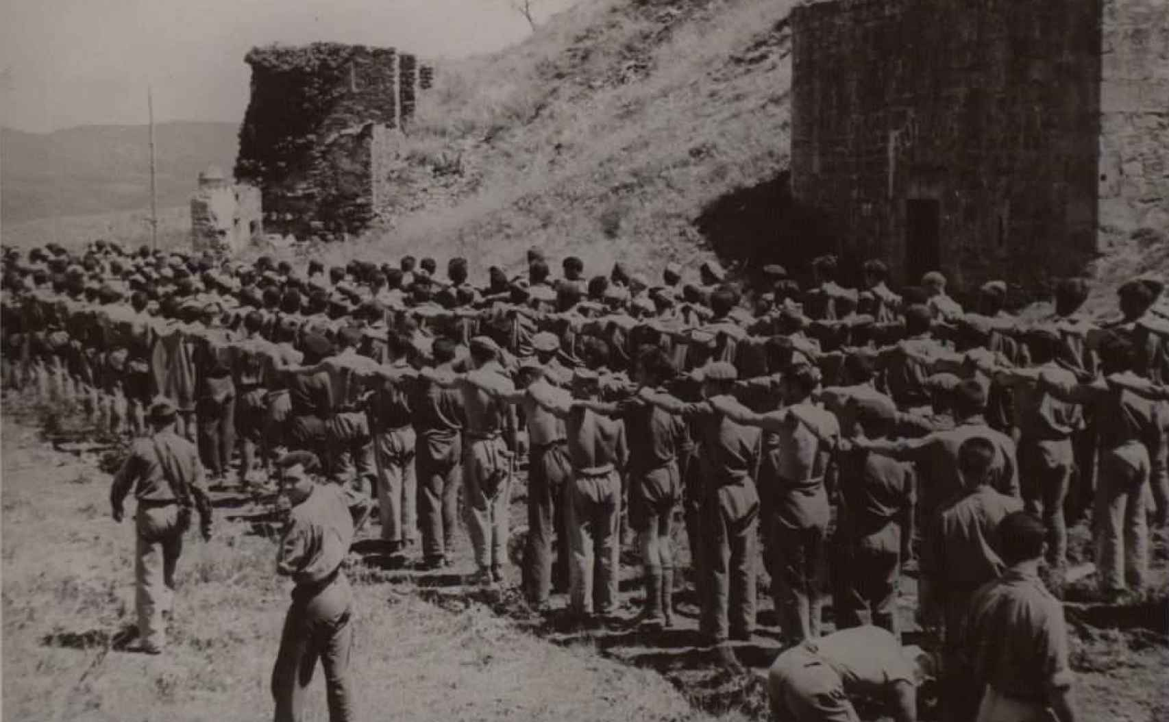 Prisioneros del bando franquista capturados por los republicanos durante la batalla del Ebro.