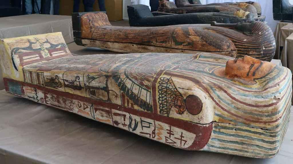 Varios de los sarcófagos hallados en perfecto estado en Saqqara.