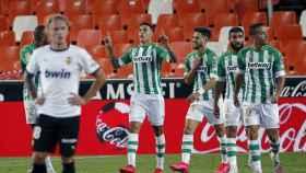 Cristian Tello celebra un gol con el Real Betis frente al Valencia