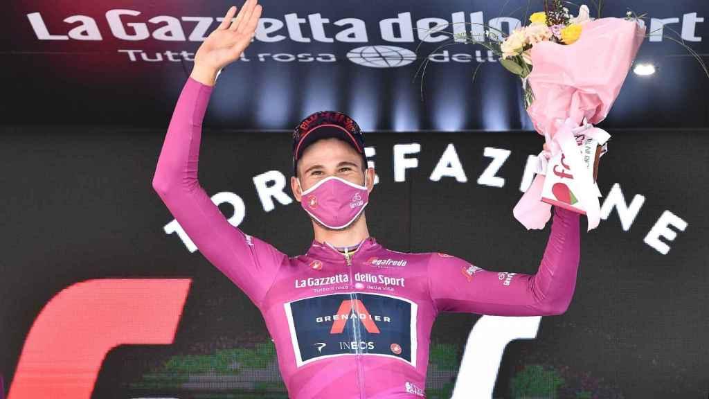 Filippo Ganna, ciclista de INEOS, con la 'maglia rosa' del Giro de Italia