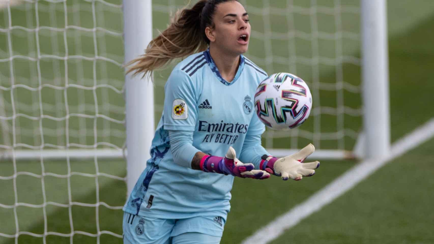 Misa Rodríguez, la portera del Real Madrid Femenino, durante El Clásico
