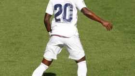 Vinicius controlando el balón