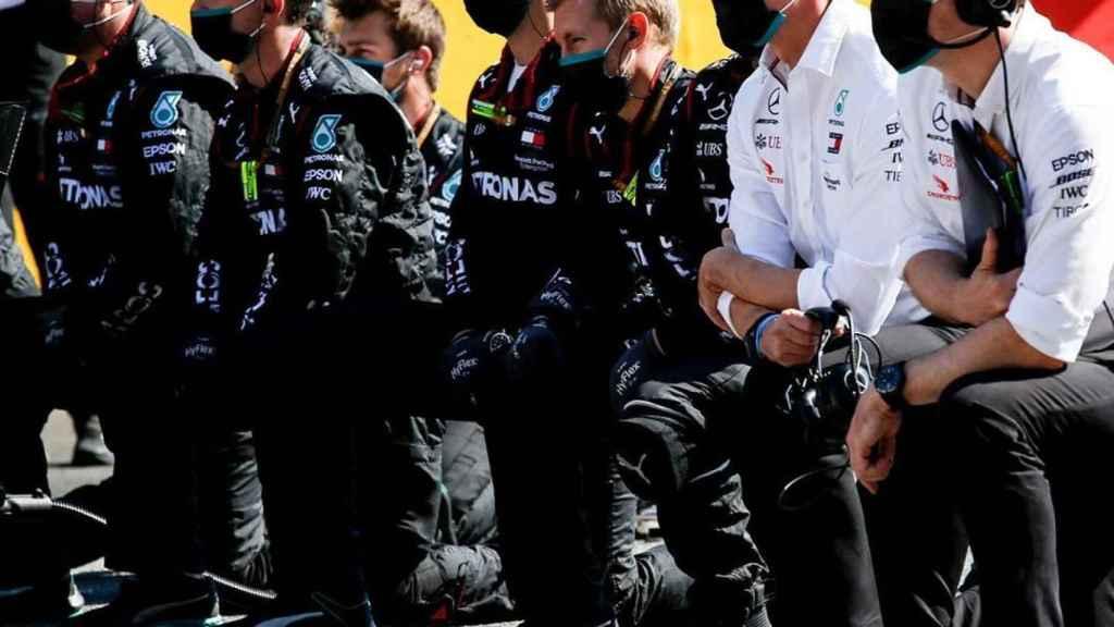El equipo Mercedes, con Toto Wolf a la cabeza