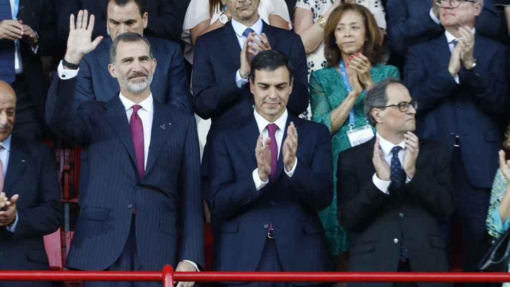 Felipe VI, Pedro Sánchez y Quim Torra, en la inauguración de los XVIII Juegos Mediterráneos, en Tarragona.