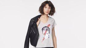 Imagen de la nueva campaña de camisetas inspiradas en David Bowie.
