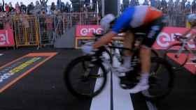 Arnaud Demarre, en la llegada de la cuarta etapa del Giro de Italia