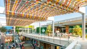 Carrefour instala puntos de recogida de pedidos 'online' de Ikea en el aparcamiento de sus centros comerciales