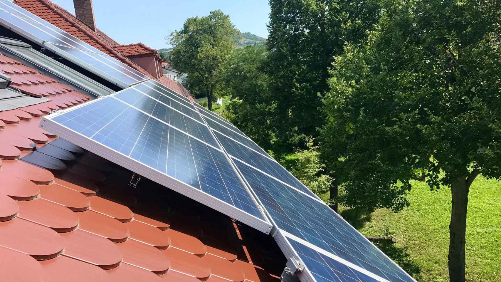 Repsol y Kutxabank se unen para vender autoconsumo solar