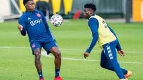 Mohammed Kudus durante un entrenamiento con el Ajax