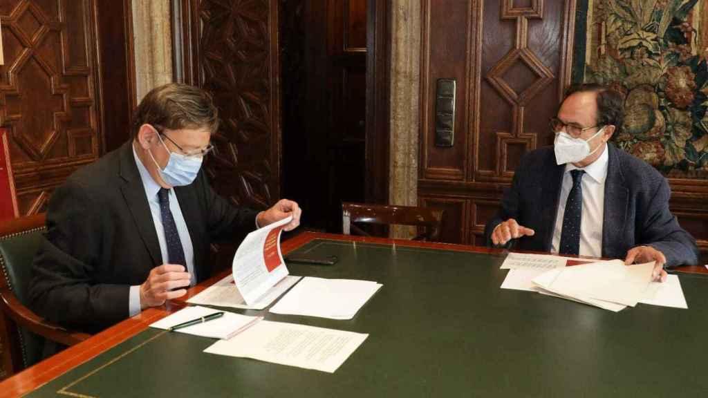 El presidente valenciano, Ximo Puig, junto a su 'conseller' de Hacienda, Vicent Soler.