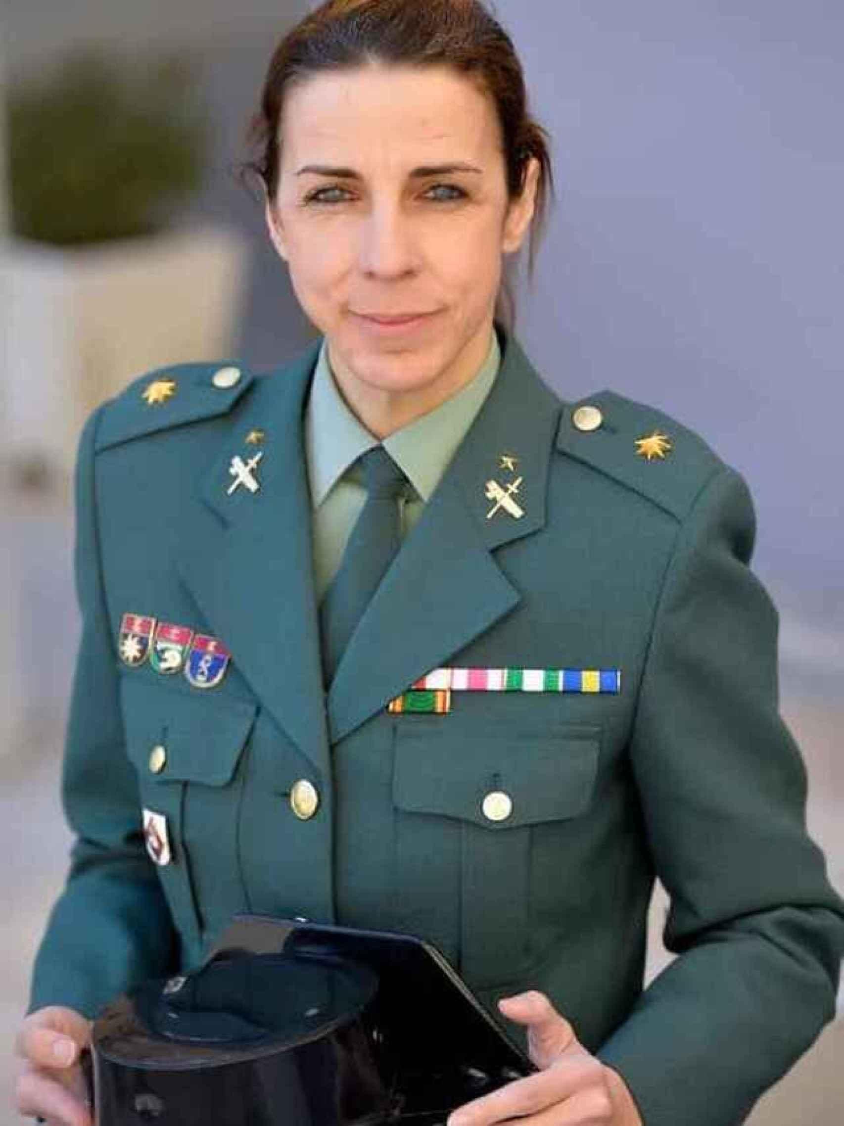 La teniente coronel Silvia Gil fue la primera en superar el curso de especialistas de montaña.