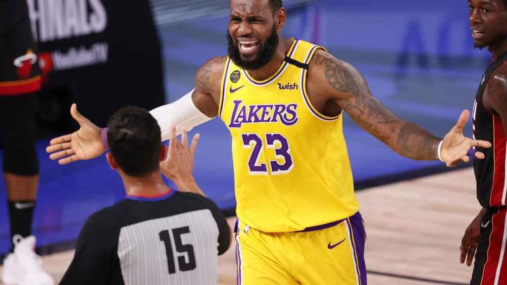LeBron James, con Los Angeles Lakers durante las Finales