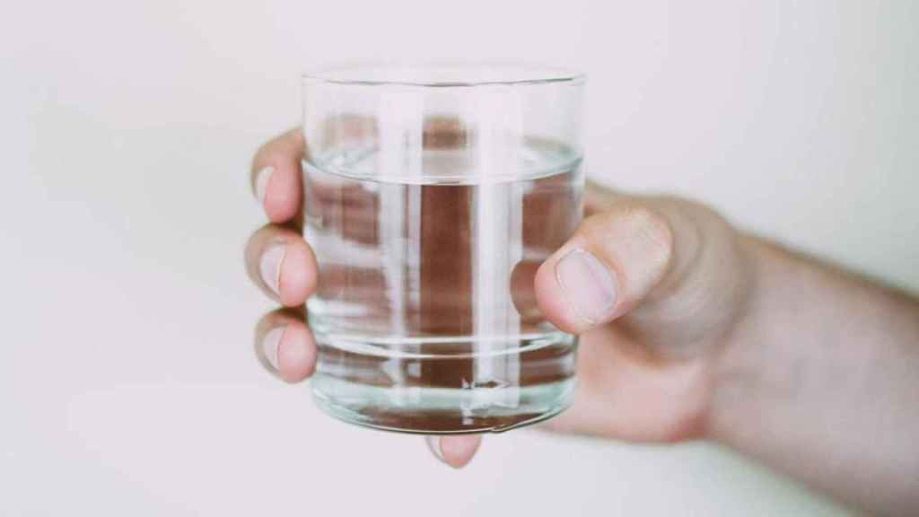 Por qué no deberías calentar jamás agua en un vaso en el microondas: el  peligro de
