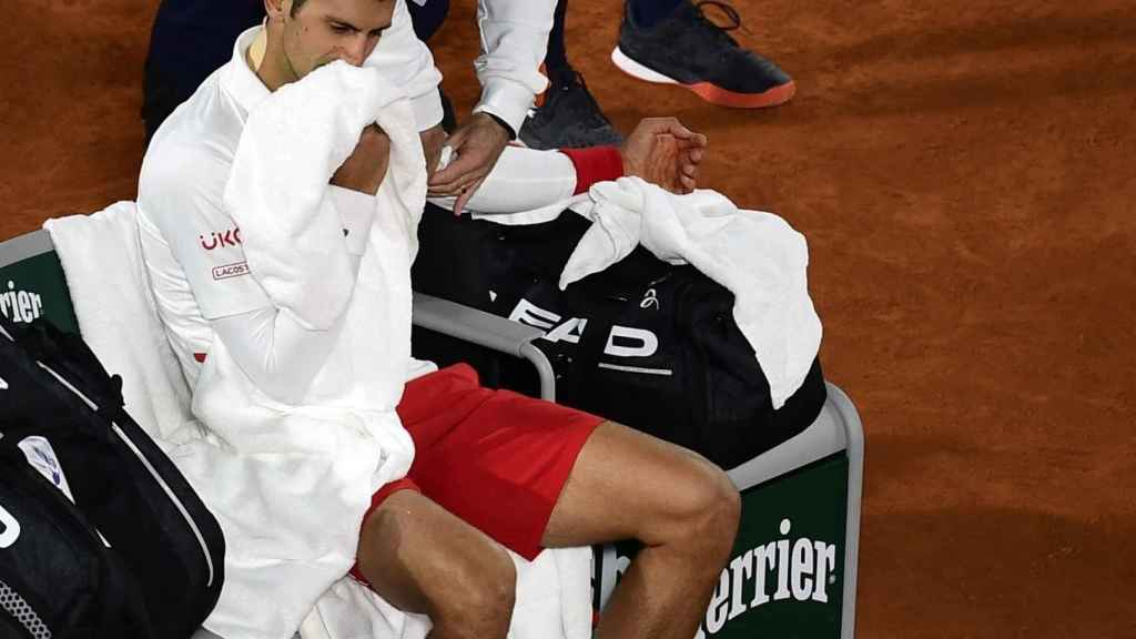 Djokovic recibe asistencia médica