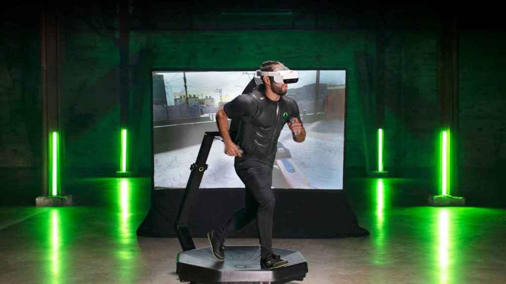El Omni One es un dispositivo que permite correr en realidad virtual