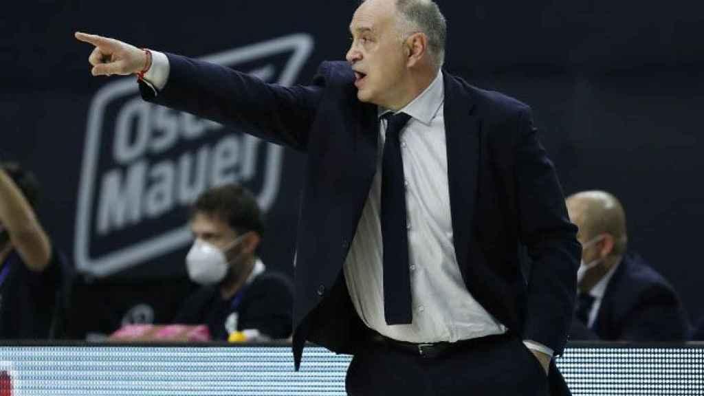 Pablo Laso dando indicaciones en un partido del Real Madrid