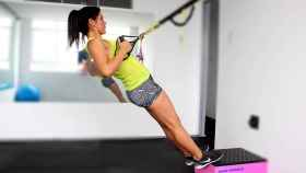 Los ejercicios de fuerza ayudan a aumentar el músculo, que pesa más que la grasa.