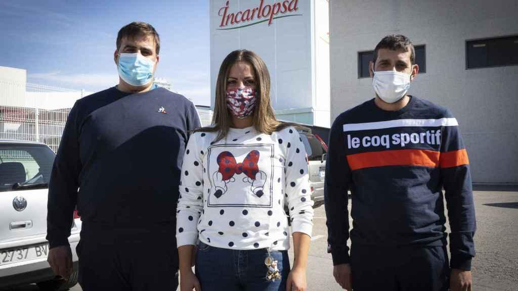 Los tres hermanos trabajan en Incarlopsa: Julián, Toñi y José