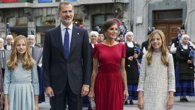 Los Reyes y sus hijas en los premios Princesa de Asturias del año 2019.
