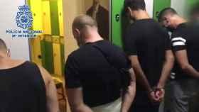 Algunos de los detenidos en el operativo.