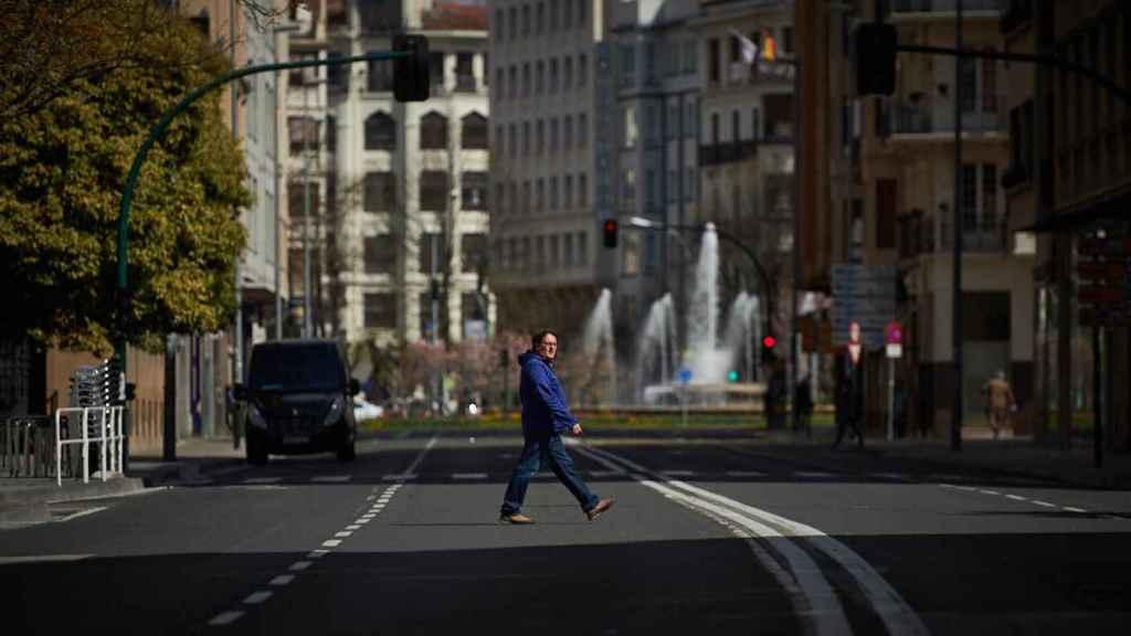 Las calles de Pamplona, tras el aumento en las restricciones del estado de alarma por el avance del coronavirus.