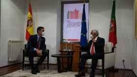 Pedro Sánchez junto al primer ministro portugués.