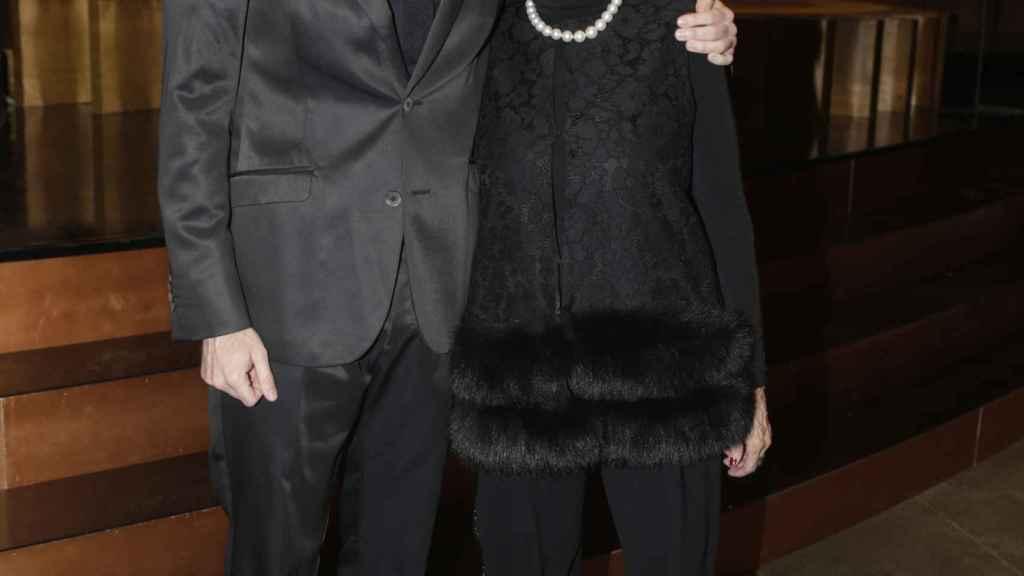 Manuel Velasco junto a su madre Concha en una imagen de archivo.