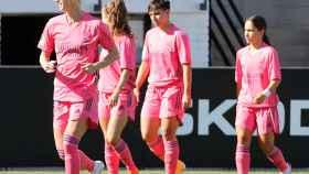 Las jugadoras del Real Madrid Femenino celebran el gol de Kosovare Asllani al Valencia