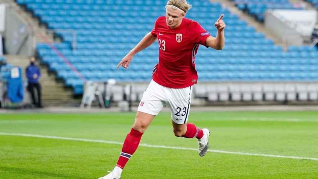 Erling Haaland celebra un gol con la selección de Noruega