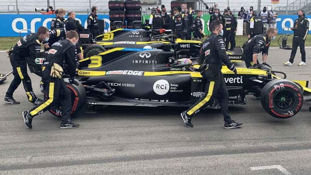 Los coches de Ricciardo y Ocon en Nurburgring