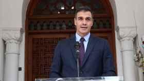 El presidente del Gobierno, Pedro Sánchez, durante su viaje a Argelia.