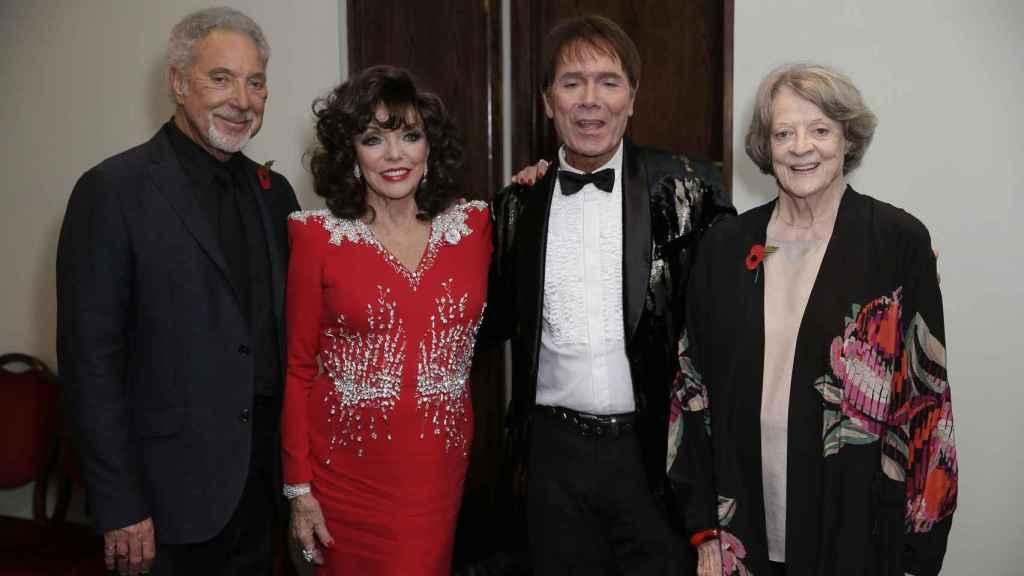 Tom Jones, Joan Collins, Cliff Richard y Maggie Smith.