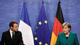 El presidente francés, Emmanuel Macron, y la canciller alemana, Angela Merkel, en una imagen de archivo.
