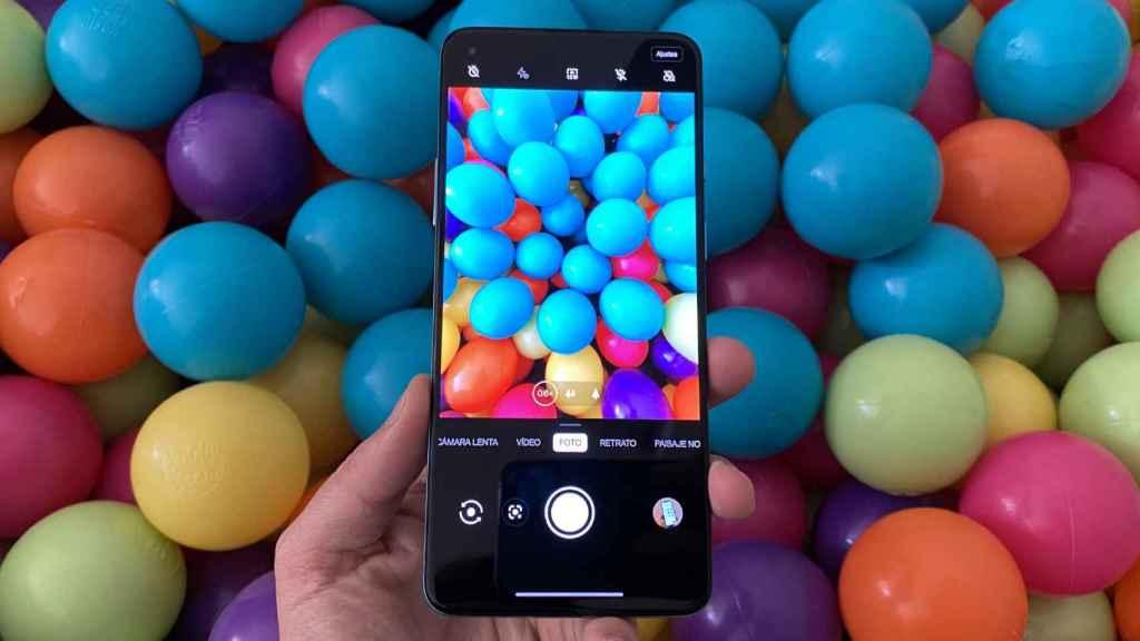 El OnePlus 8T es un móvil 5G con mejor batería que el iPhone 12