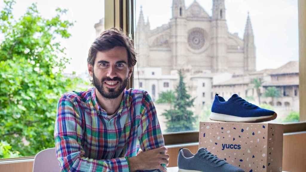 Pablo Mas y sus zapatillas.