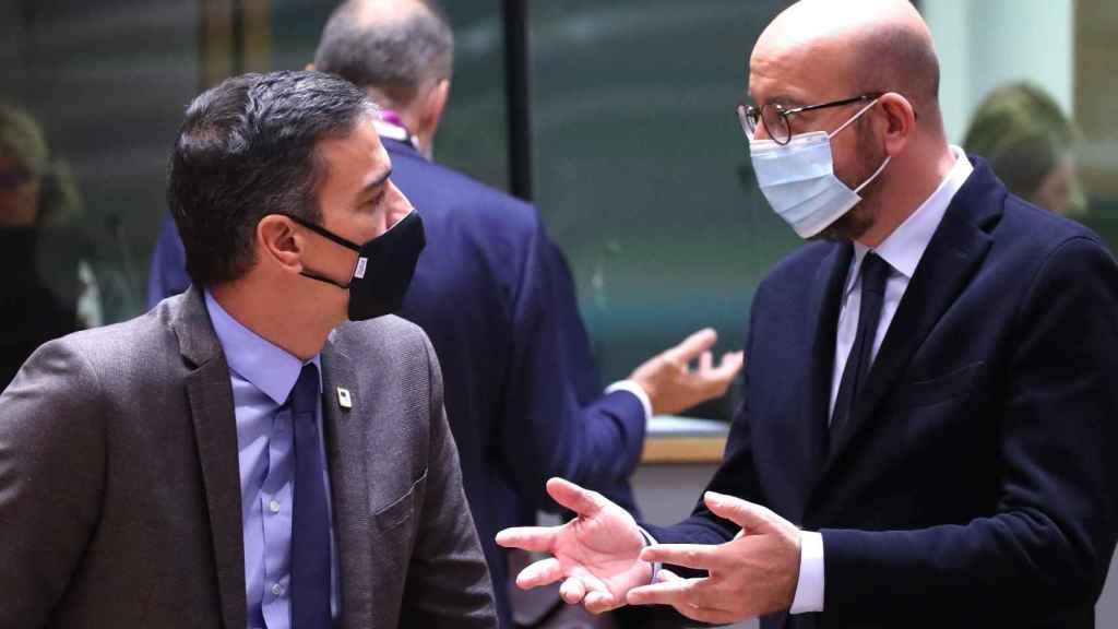 Pedro Sánchez y el presidente del Consejo Europeo, Charles Michel, en Bruselas.