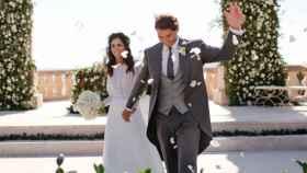 Xisca Perelló, con vestido de Rosa Clará, y Rafa Nadal, con traje de Brunello Cucinelli, el día de su boda.