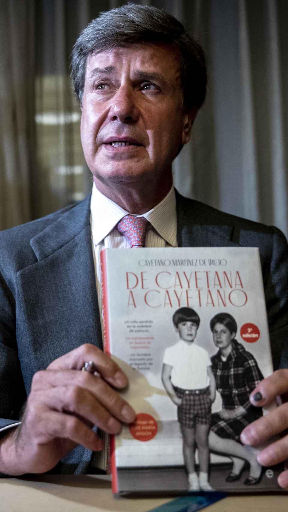 Cayetano Martínez de Irujo en la presentación de sus memorias, 'De Cayetana a Cayetano'.